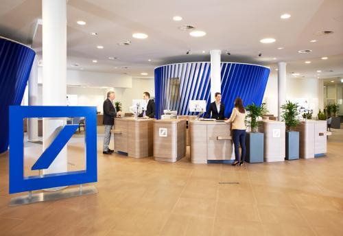 The week in investor relations: Vaccines required to enter Deutsche Bank HQ, secret rewards at Bridgepoint and Beijing plans new stock exchange