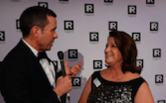 Red carpet US 2015: Julie Tracy, Wright Medical