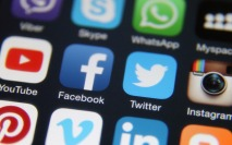 IR papers: How social media influences investors